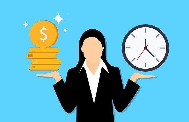 お金と時間を測る女性